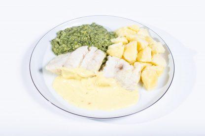 Gedünstetes Kabeljaufilet mit Rahmspinat und Butterkartoffel